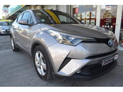 TOYOTA C-HR 122h Dynamic 2WD E-CVT photo #2