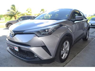 TOYOTA C-HR 122h Dynamic 2WD E-CVT photo #4