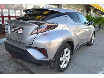 TOYOTA C-HR 122h Dynamic 2WD E-CVT photo #7