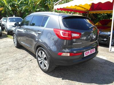 KIA SPORTAGE III 2.0 CRDI 136 4WD photo #6