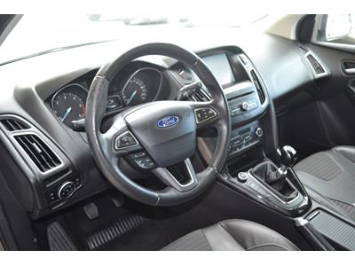 FORD FOCUS 1.5 TDCi 120ch StopetStart Titanium photo #8