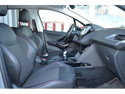 PEUGEOT 2008 1.2 PureTech 110ch GT Line SetS photo #9