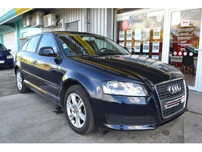 AUDI A3 1.6 TDI 90ch DPF Attraction photo #2