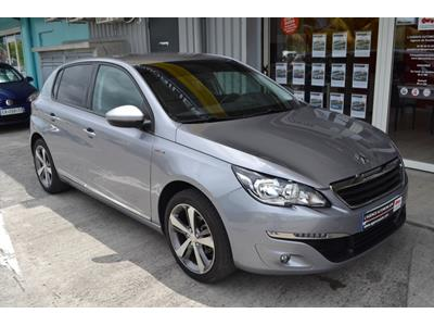 PEUGEOT 308 1.2 PureTech 110ch SetS BVM5 Style photo #2