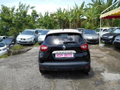 RENAULT CAPTUR 1.5 DCI 90 photo #10