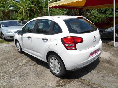 CITROEN C3 II 1.4 HDI 70 photo #6