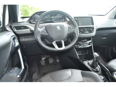 PEUGEOT 2008 1.6 BlueHDi 100ch BVM5 Allure photo #14