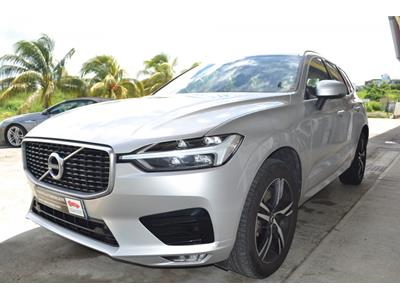 VOLVO XC60 D4 AWD 197 ch Geartronic 8 R-Design photo #4