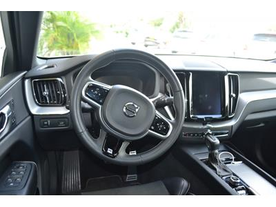 VOLVO XC60 D4 AWD 197 ch Geartronic 8 R-Design photo #14