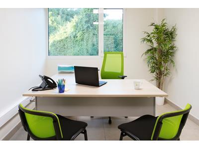 Bureaux neufs meublés tout compris en zone franche de dillon
